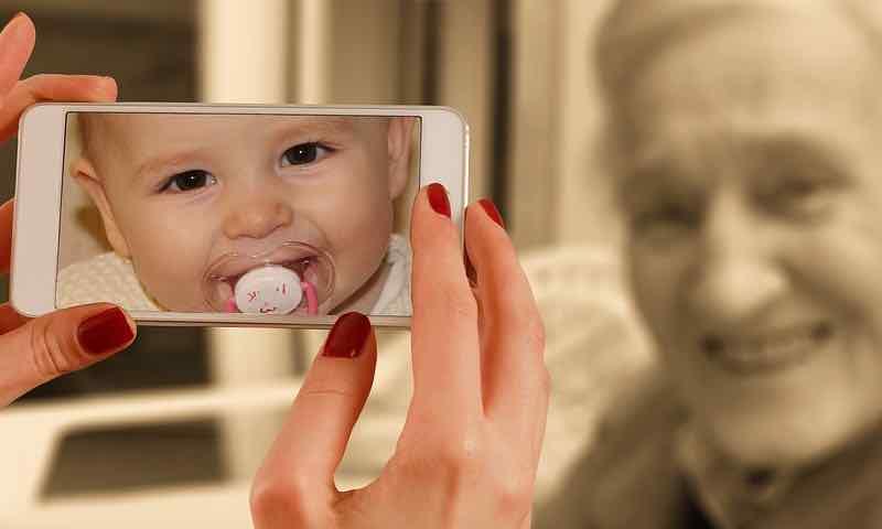 telefono movil para mayores, teléfonos móviles para personas mayores, smartphone para mayores 2019, smartphone personas mayores, smartphone para ancianos, smartphone para gente mayor, smartphone para mayores 2016 con WhatsApp, smartphone sencillo para personas mayores